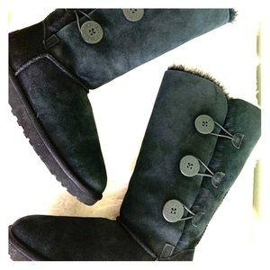 UGG tall triple button bailey boot